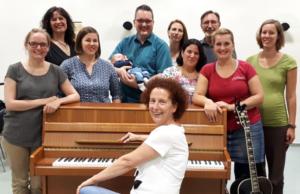 vielsam mit Gesangslehrerin Gerlinde Hofmann