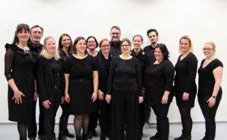 Chor vielsam mit neuem Chorleiter Robin Lindemann